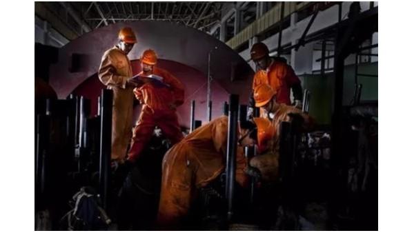 锅炉压力高,蒸汽与水分离困难,蒸汽带水,该怎么办?